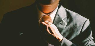 Jaki strój na ślub: frak, smoking, czy zwykły garnitur? Najlepszy będzie szyty na miarę